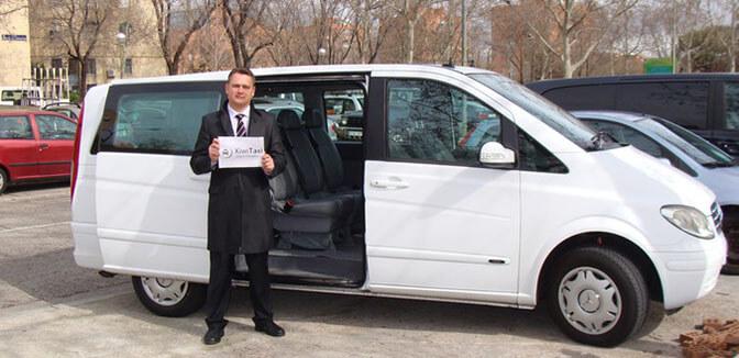 Бронировать такси заранее удобнее и быстрее